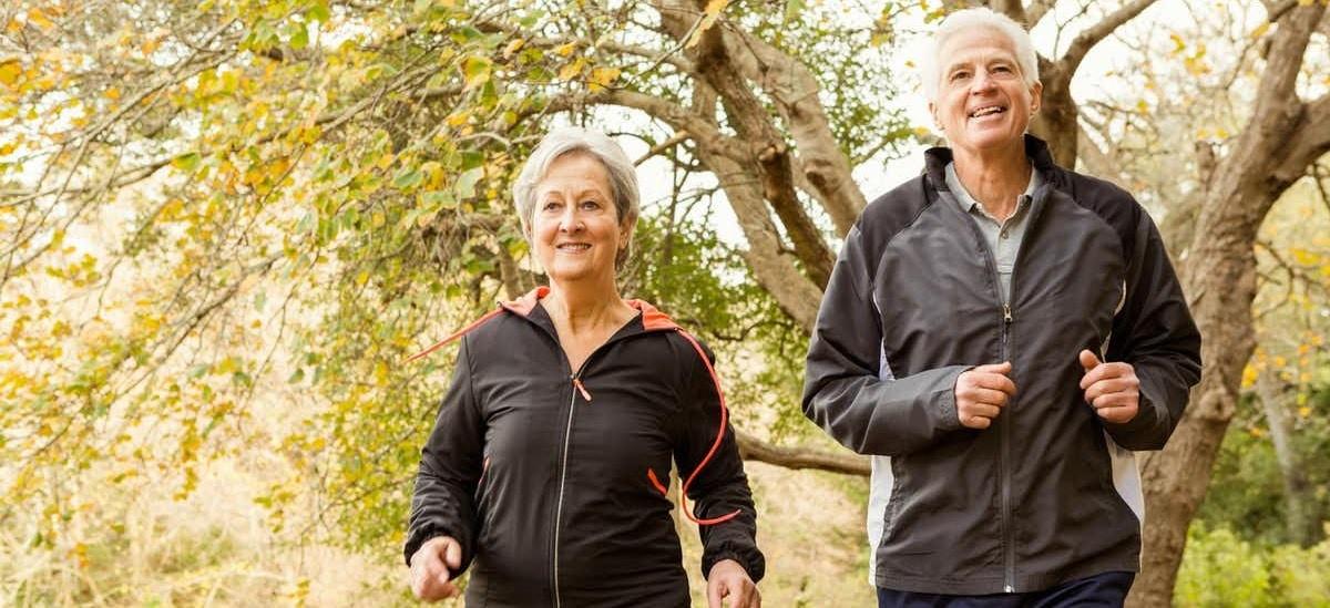 existen ejercicios de coordinación y equilibrio para personas mayores muy interesantes